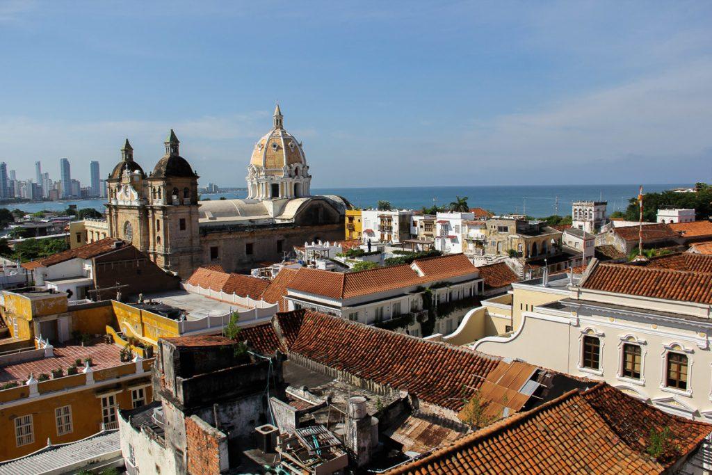 Über den Dächern von Cartagena - Blick auf die Kathedrale San Pedro Claver