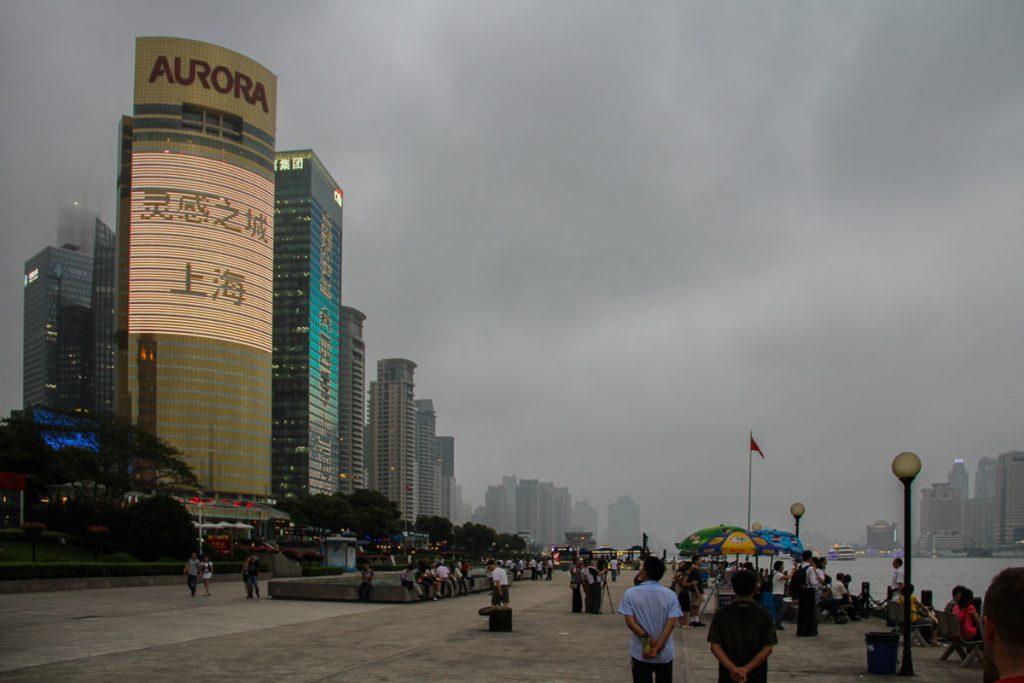 Dämmerung am Huangpu Fluss