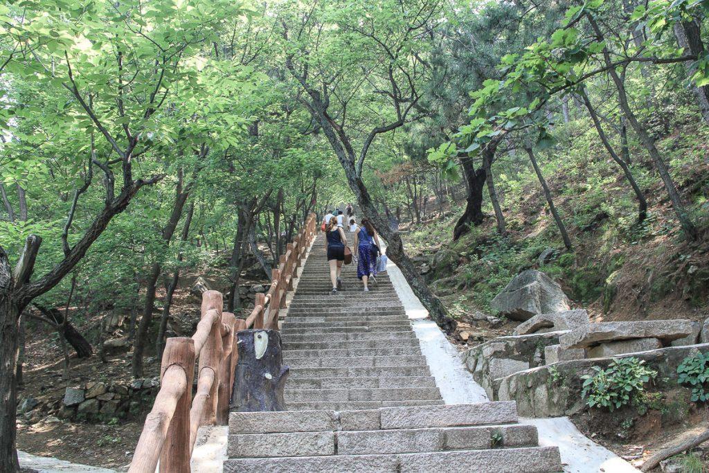 1000 Stufen zur chinesischen Mauer