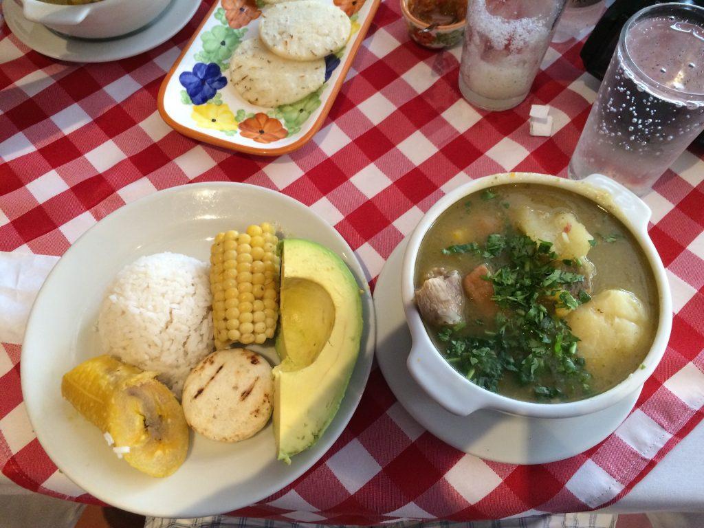 Mittagessen Sancocho Antiqueno