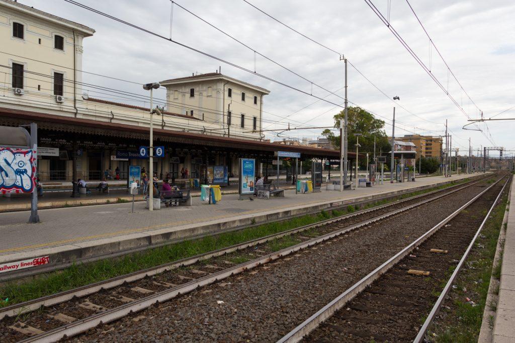 Bahnhof Roma Trastevere - hier verläuft sich niemand