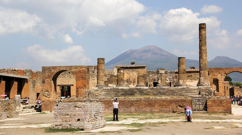 Die Ruinen von Pompeji und der Vesuv