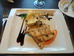 gegrillter Fisch beim Mittagessen