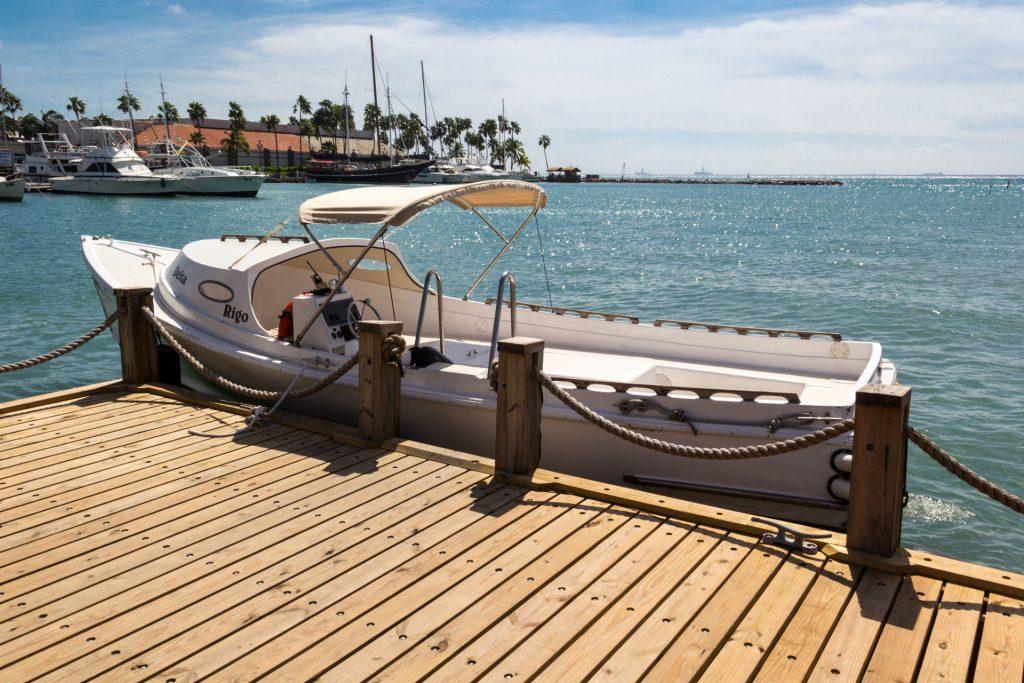 Taxi-Boot nach Renaissance Private Island