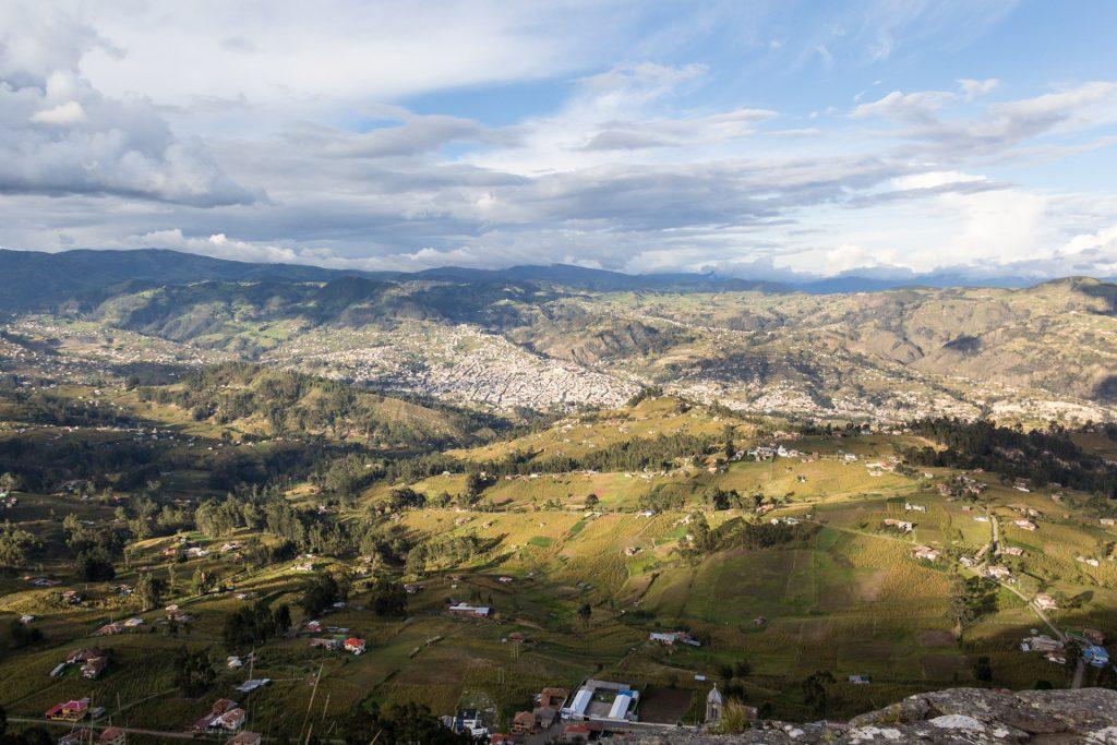 Blick vom Cojitambo über Cojitambo Richtung Azogues