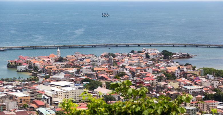 Blick vom Cerro Ancon auf Panamas Altstadt Casco Viejo