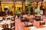 Innenhof & Restaurant im Hotel Los Balcones