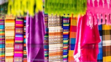prächtige Farben auf dem Markt in Otavalo