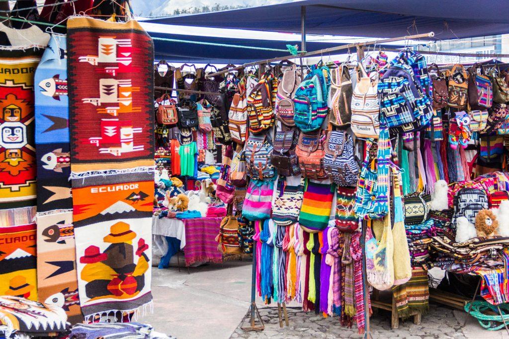 Rucksäcke und Handtaschen in Otavalo