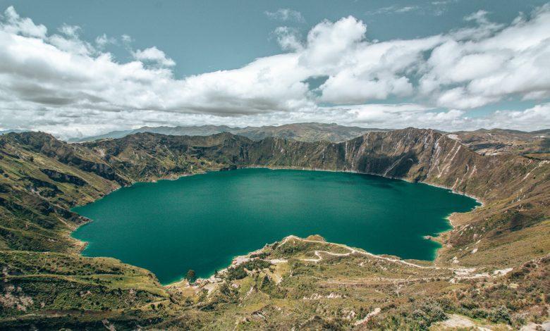 Blick über die Quilotoa Lagune
