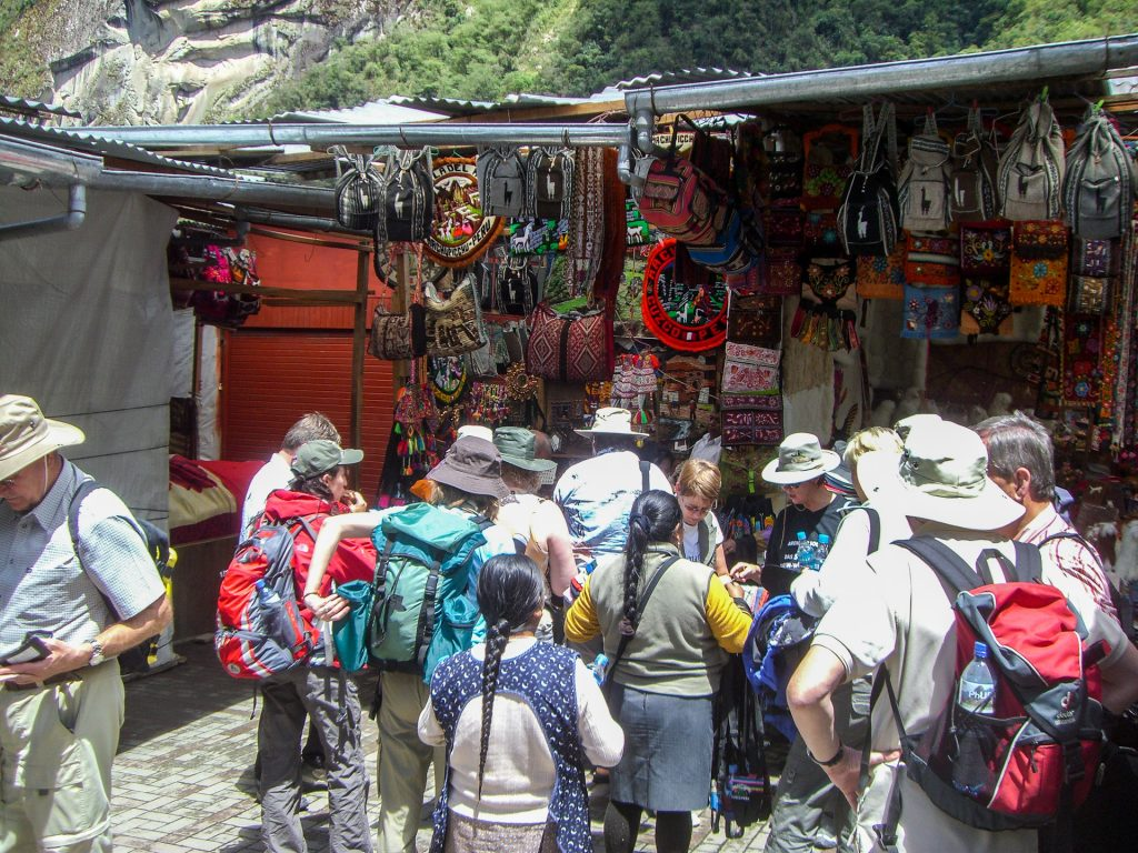 Touristen in Aguas Calientes
