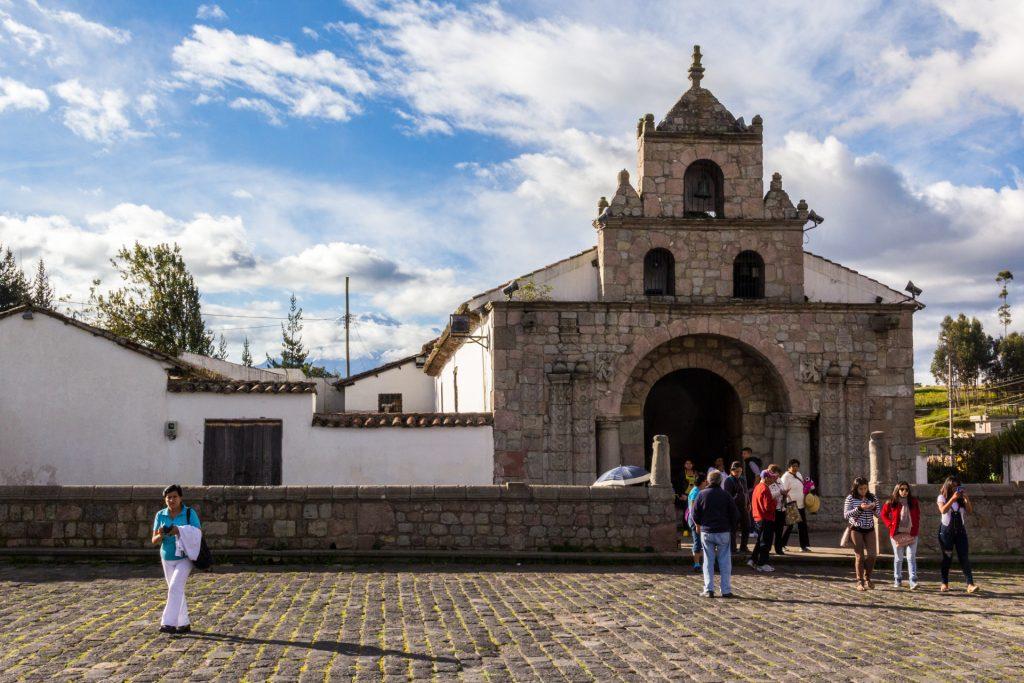 Iglesia de Balbanera - im Hintergrund der Chimborazo