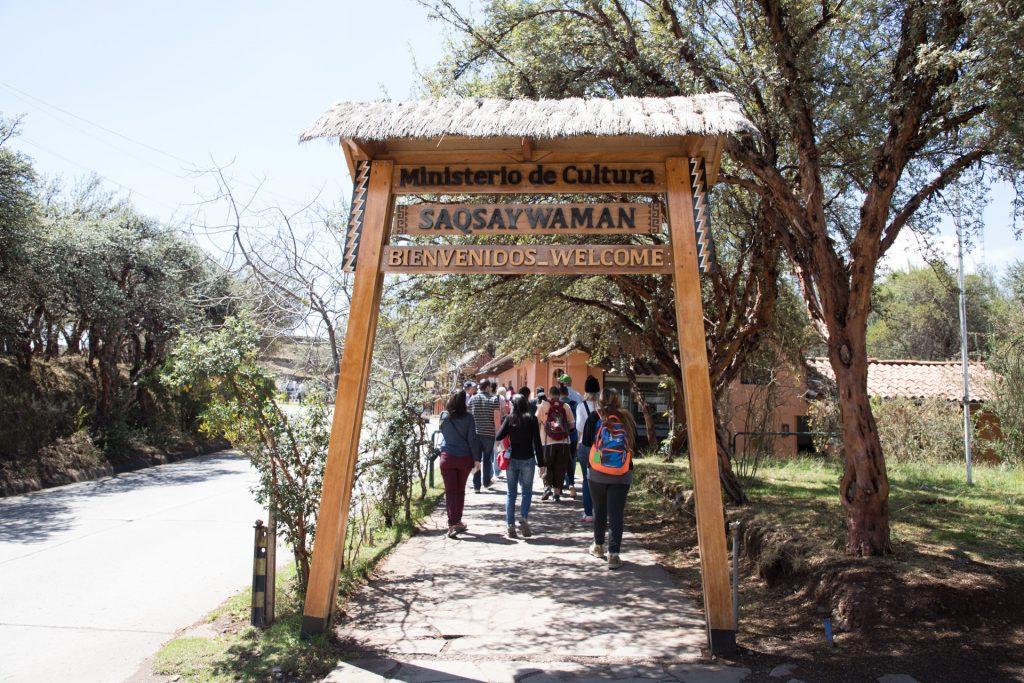 Eingang zur Anlage Sacsayhuamán