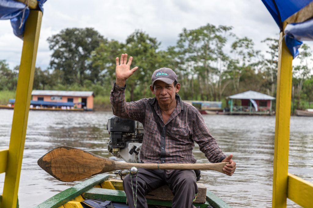 Abfahrt zu den Amazonas-Flussdelfinen