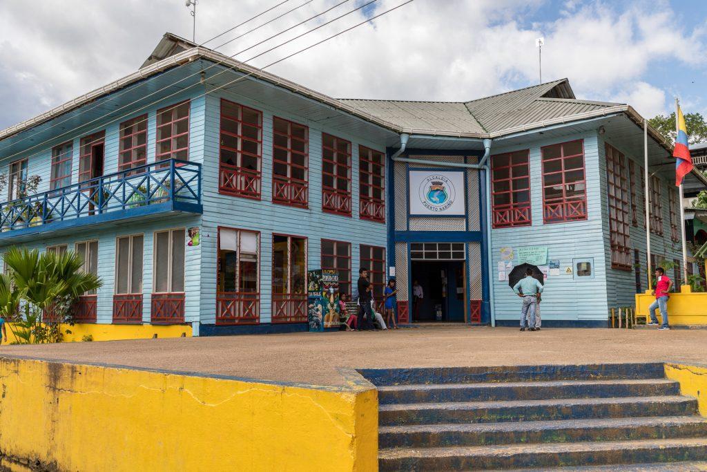 Das Rathaus von Puerto Nariño