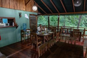 Restaurant der Hidden Paradise Lodge