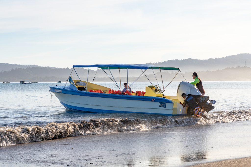 Motorboot um von Sierpe nach Drake Bay zu kommen