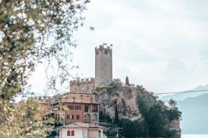 Die Burg überragt Malcesine weithin sichtbar
