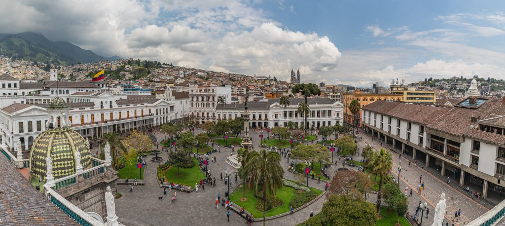 Panorama von der Plaza Grande in Quito