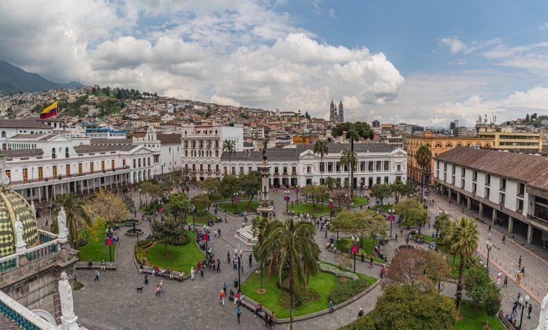 Panorama von der Plaza Grande in Quito