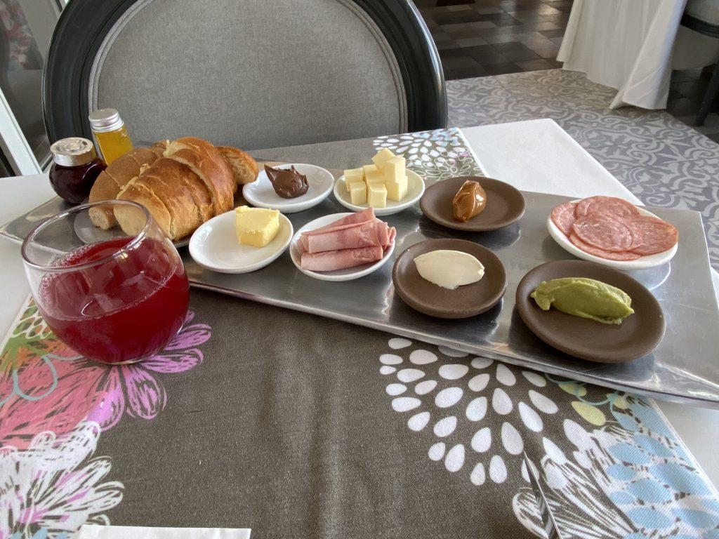 Frühstück im Illa Experience Hotel