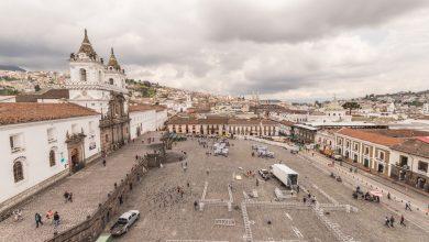 Blick auf die Plaza San Francisco in Quito