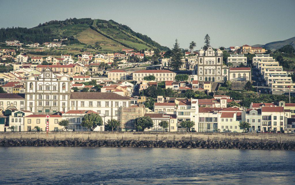Die Inselhauptstadt Horta auf Faial