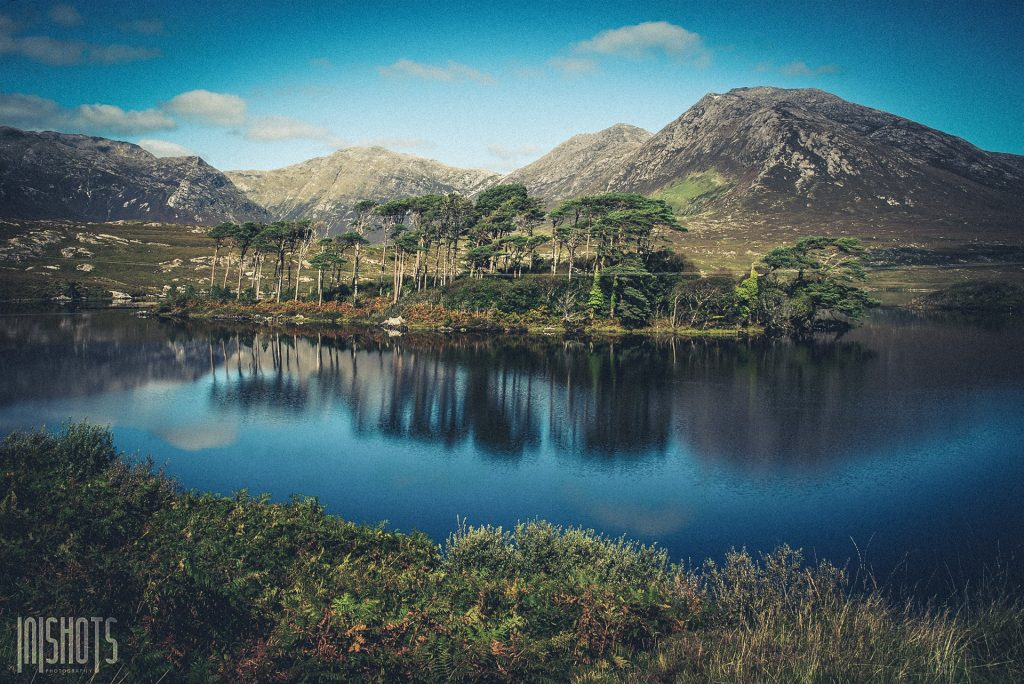 Derryclare Lough mit den 12 Bens im Hintergrund