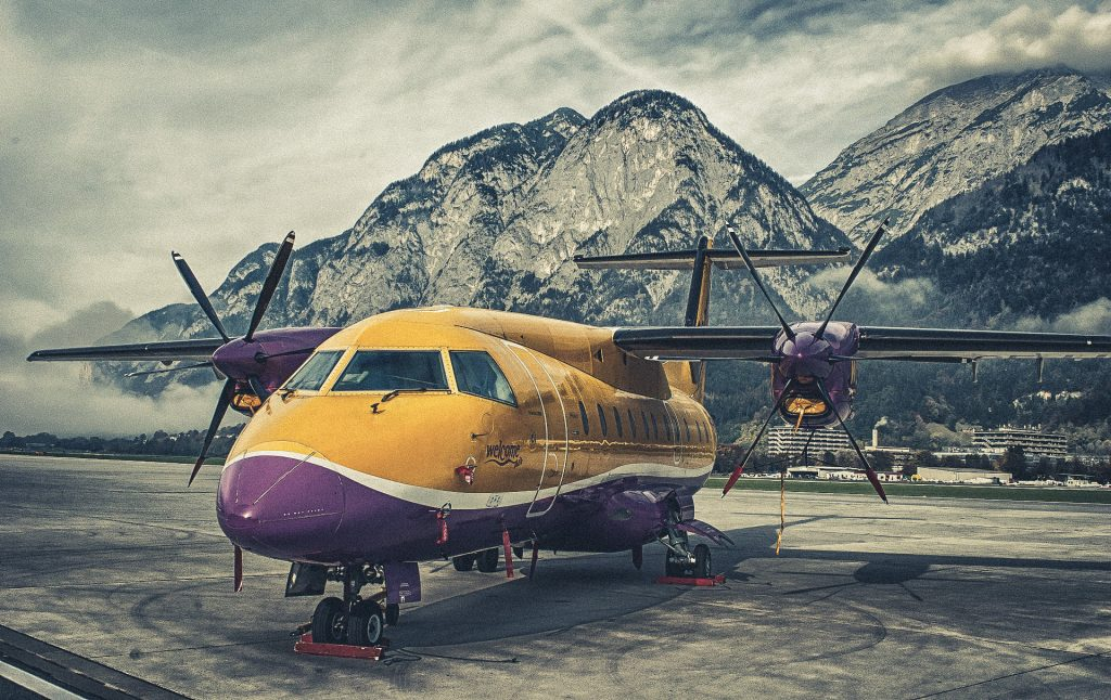 Malerisch gelegen - der Flughafen von Innsbruck