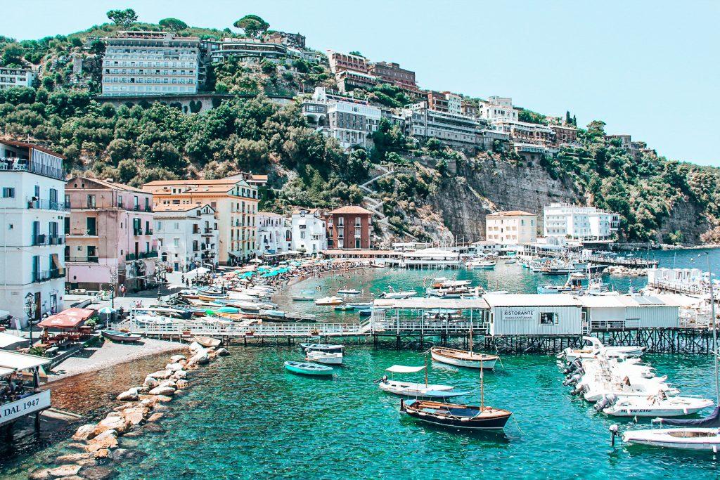 Der Yachhafen von Sorrent - einer der schönsten Orte in Italien
