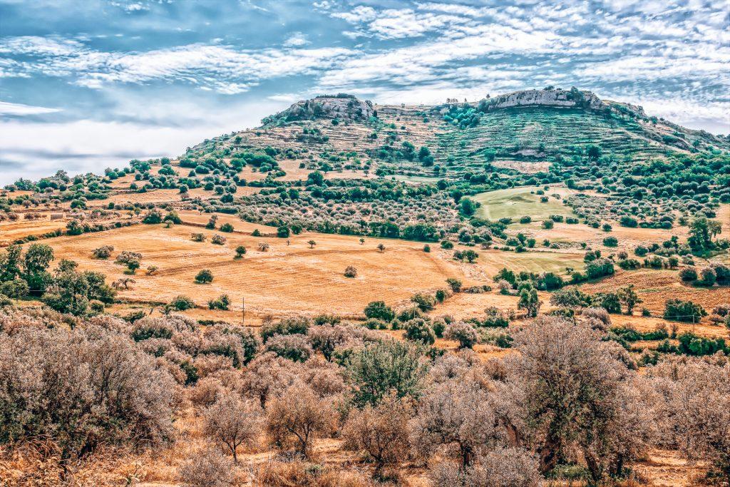 Die Landschaft macht Sizilien zu einem der schönsten Orte in Italien